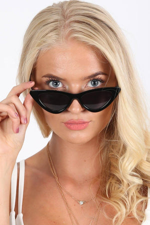 Slim Retro Cat Eye Sunglasses in Black 0
