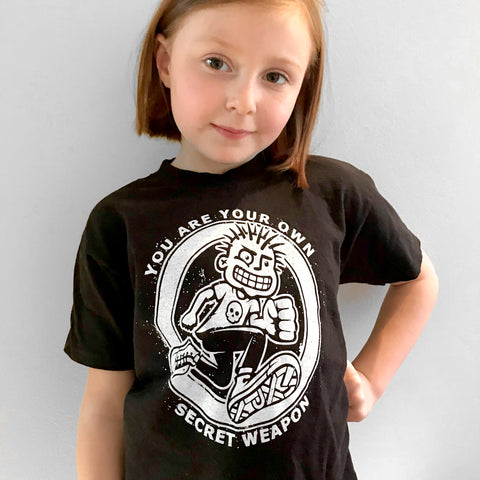KIDS T SHIRT - SECRET WEAPON