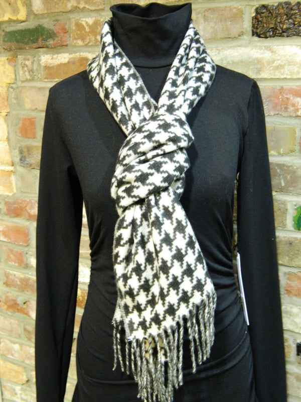 Houndstooth Game Day Scarf