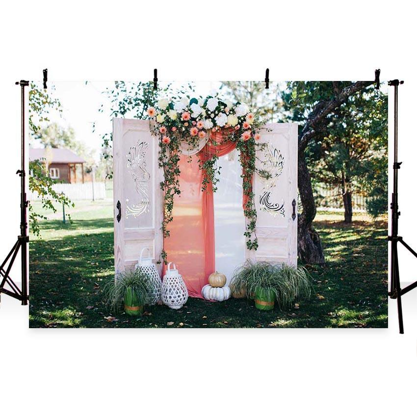 Romantic White Door With Flowers Backdrop for Weeding Ceremony Photography