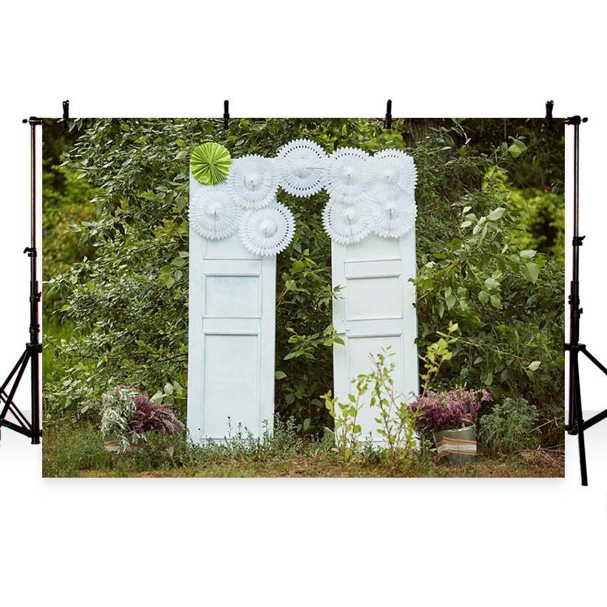 Green Leaves White Door Backdrop for Wedding Ceremony Photography