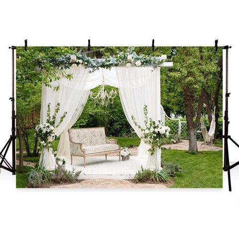 White Flowing Curtain Green Backdrop for Wedding Ceremony Party Photography