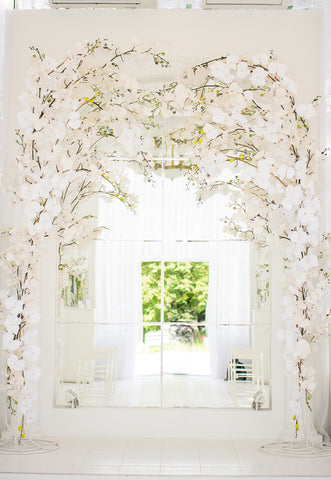 White Flowers Door Spring Wedding Backdrops