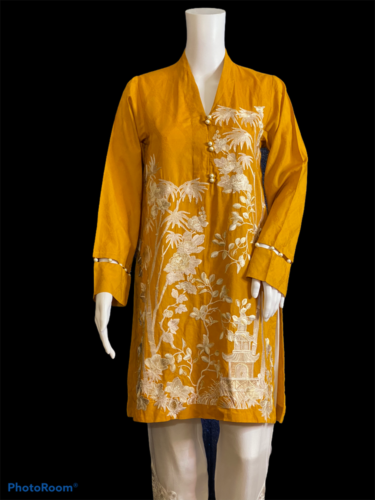 MANGO PUNCH-STYLISH EMBROIDERED YELLOW COTTON/LAWN OUTFIT- SIZE MEDIUM