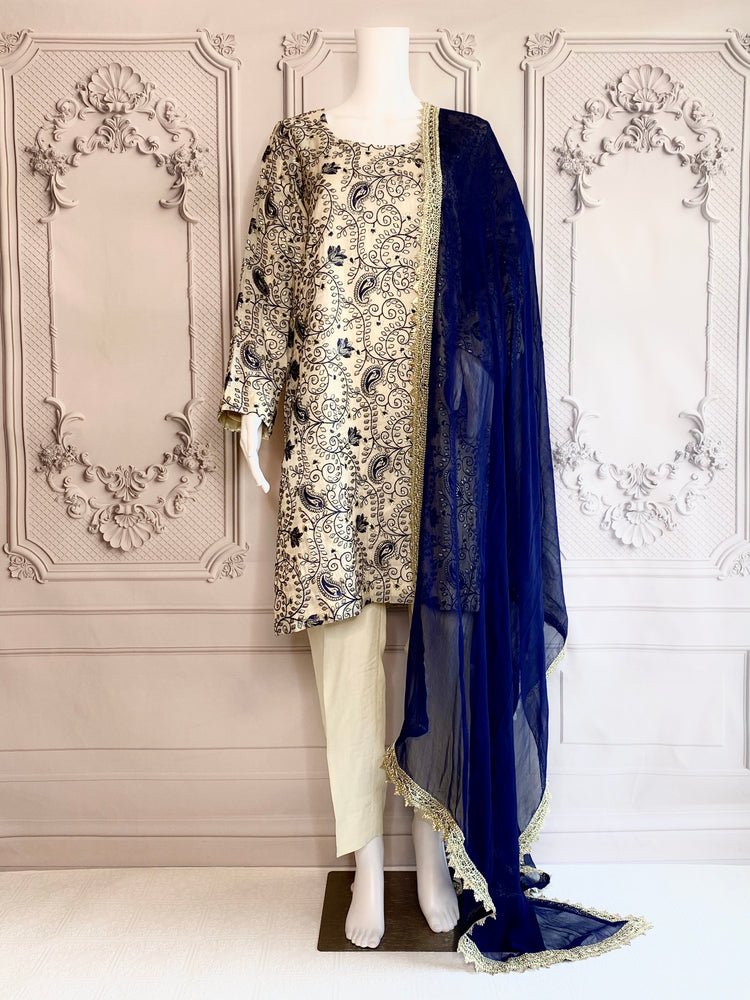 BRUNNERA - A VERY CLASSY CHIFFON OUTFIT WITH TILLA AND THREAD EMBROIDERY