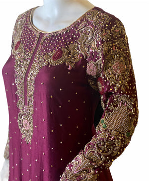 RANUNCULOUS- A VERY APPEALING METALLIC CHIFFON LEHNGA OUTFIT- SIZE MEDIUM