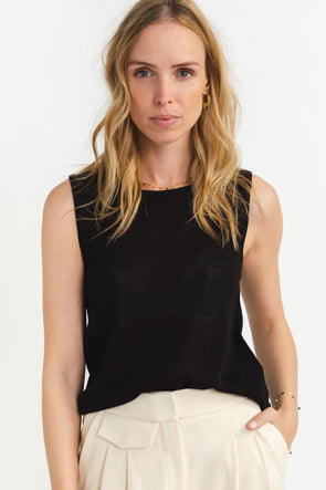 Moon Knit Top Black - Selected Femme - Black sleeveless knit with a relaxed feminine fit