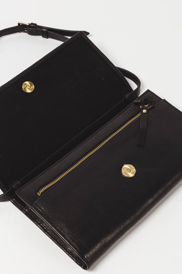 Kirsty Clutch Black Stromboli Leather - O My Bag - Black stromboli leather clutch magnetic closure and leather shoulder strap