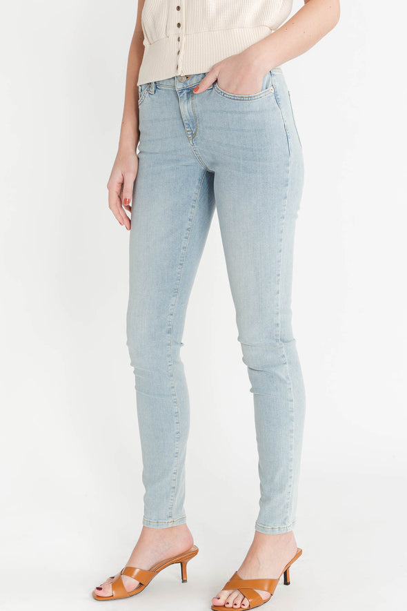 Ida Skinny Jeans Bell Blue - Selected Femme - high waisted light wash flattering fit