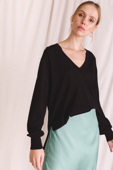 Dida V-Neck Knit Black - Samsoe & Samsoe - black sweater jumper pullover long sleeves basic casual