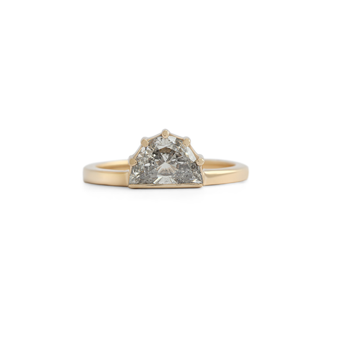 Sunrise Ring / Natural Grey Diamond