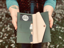 Load image into Gallery viewer, The Oliver | Leather Clutch