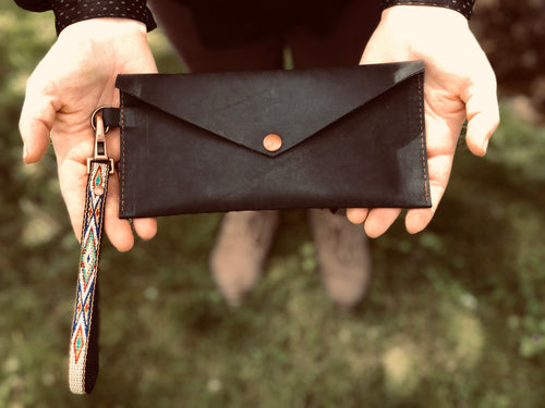 The Windriver | Leather Wristlet