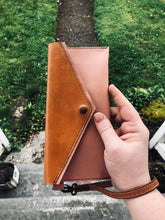 Load image into Gallery viewer, The Grace | Leather Wristlet