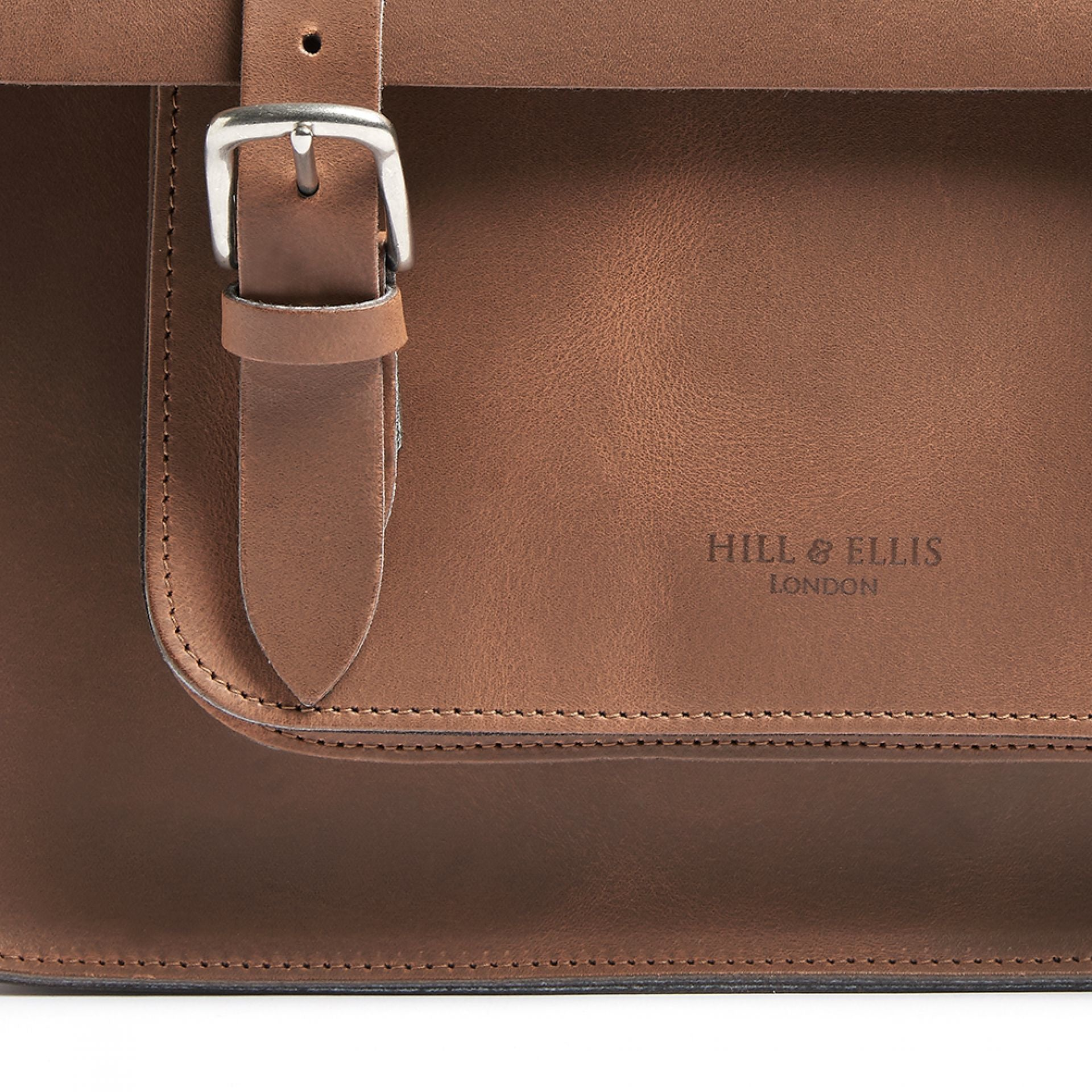 Hill and Ellis Mac Whiskey Tan Leather Pannier showing buckle