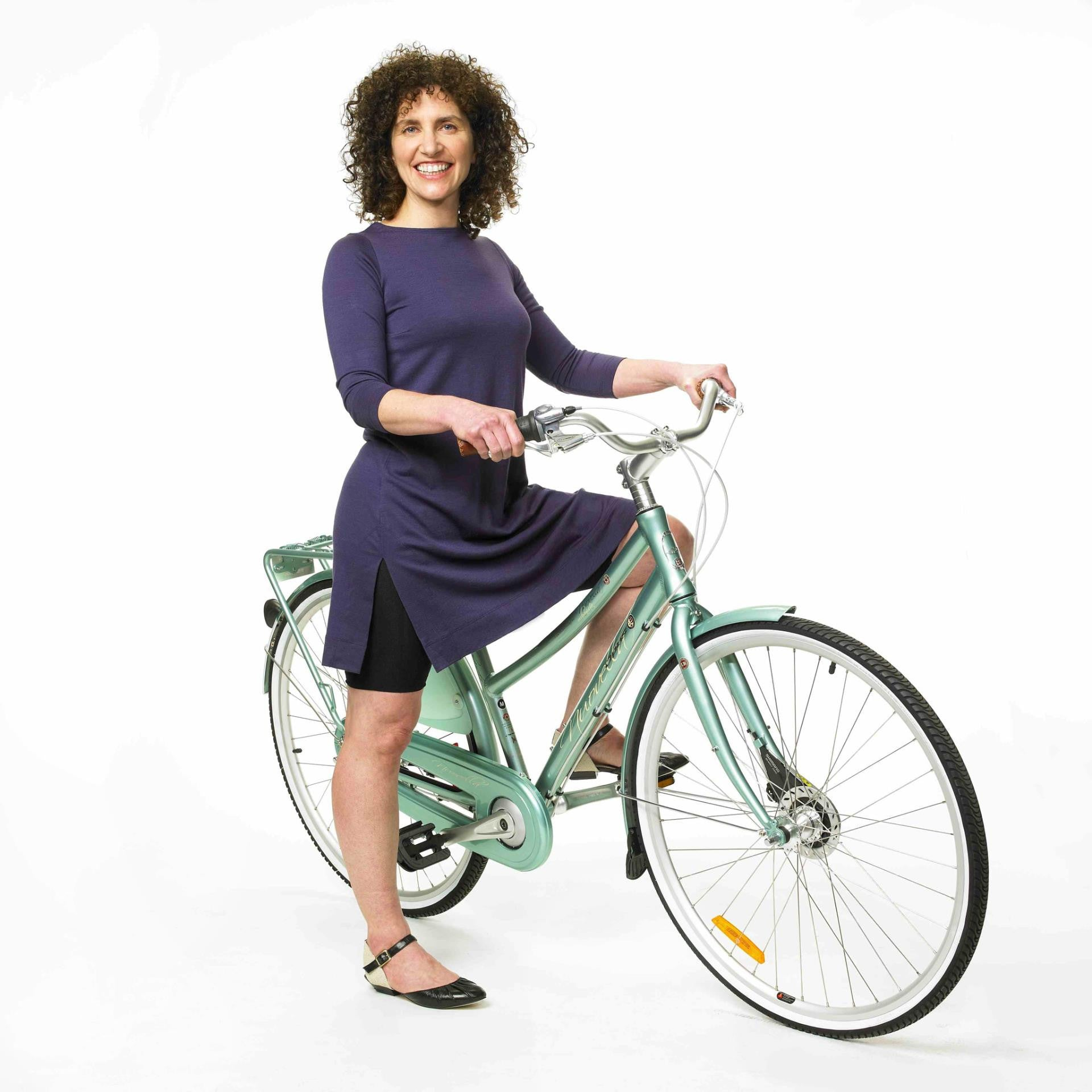 Olena Russell's curated picks for summer cycling for Le Velo Victoria Featuring Merino Wool Tunnics