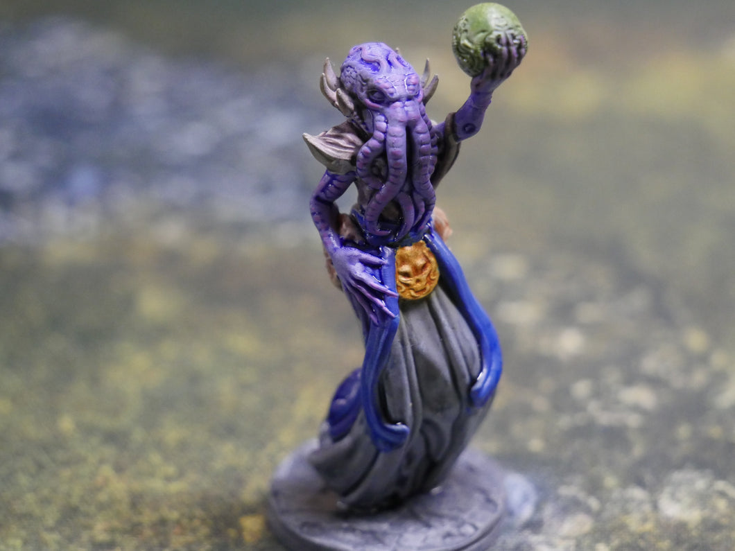 Mind Horrors: Levitating D&D Miniatures