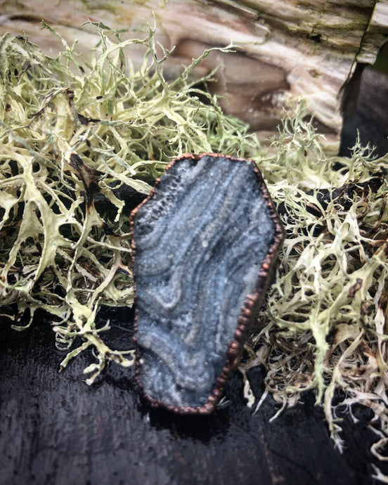 Chalcedony Druzy Coffin Ring. Size 6. - Serpent + Sage