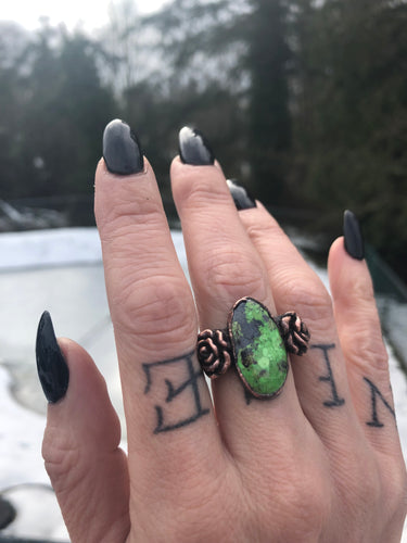 Gaspeite Rose Ring | Size 6.75 - Serpent + Sage