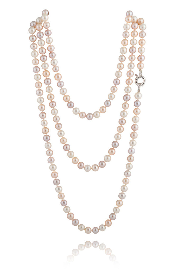 4 Stylish Ways to Wear Pearls