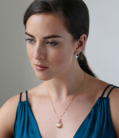Pearl Pendant Necklace in 18k Gold Vermeil