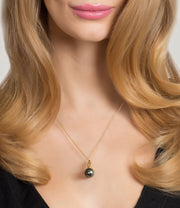 Muse 18ct Yellow Gold Tahitian Pearl Pendant Necklace