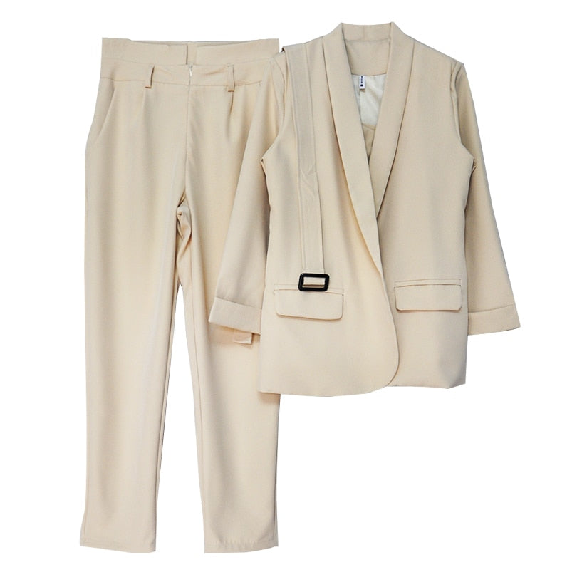 Buttonless Slim Blazer CamisTops and Trouser Suit
