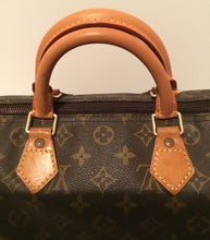 Load image into Gallery viewer, Louis Vuitton Speedy 30