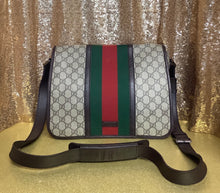 Load image into Gallery viewer, Gucci Canvas Messenger Bag