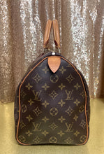 Load image into Gallery viewer, Louis Vuitton Speedy 35