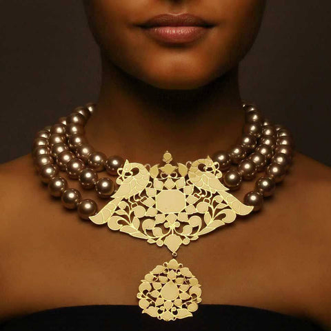Incorruptible Choker with Pearls