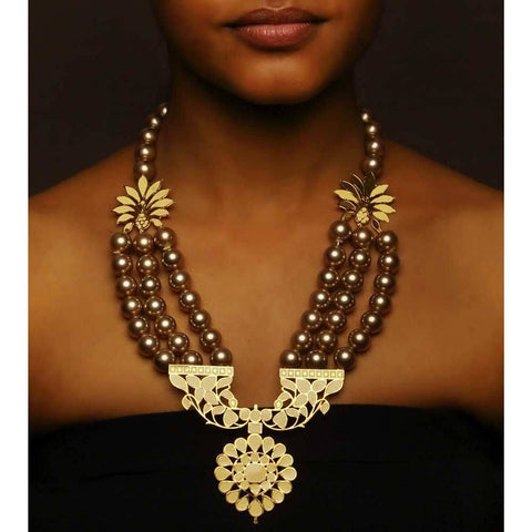 Awakening Necklace with pearls