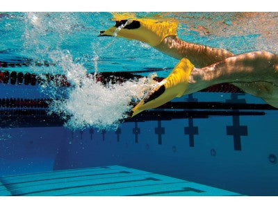 FINIS Z2 Gold Fin In Use