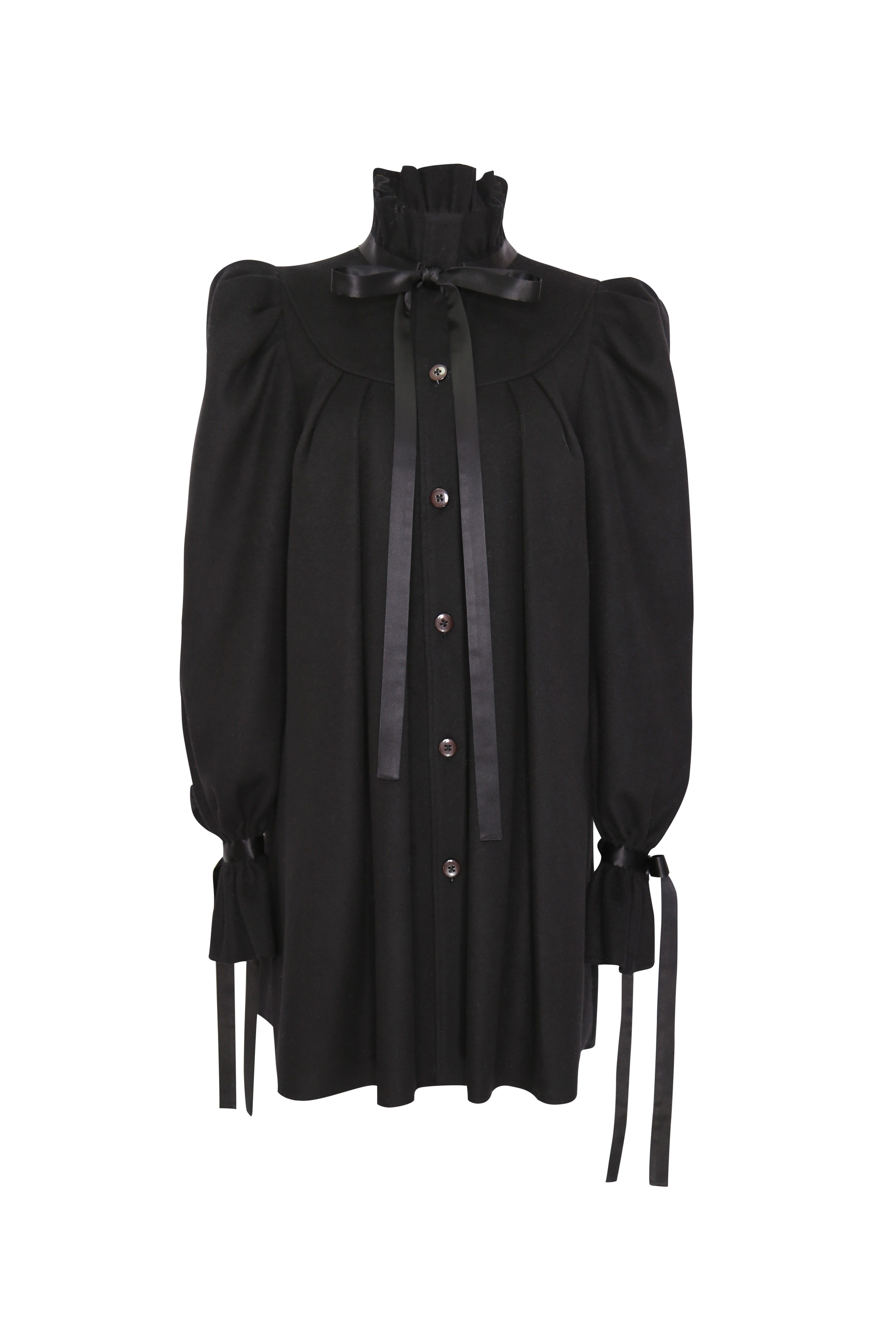 High stand collar coat with tie
