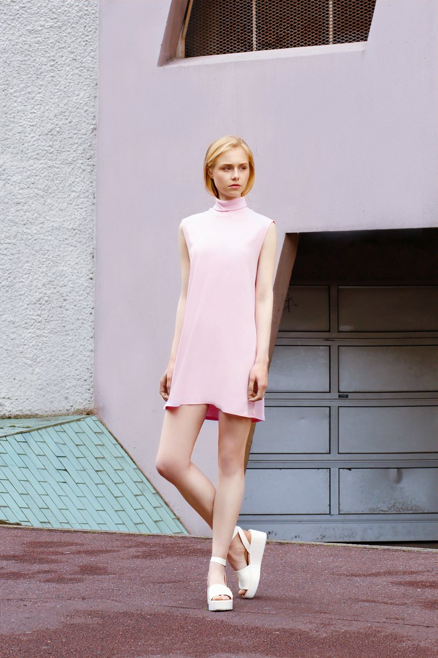 PASTEL PINK BABY DOLL 60'S TURTLE NECK DRESS