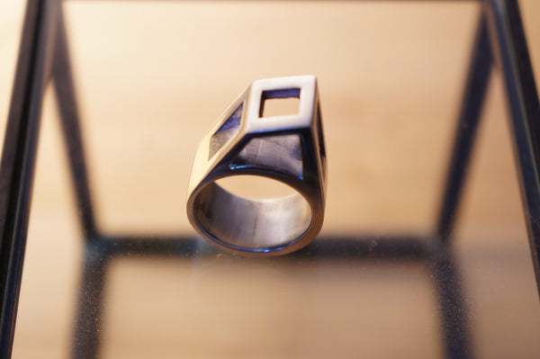 Prism Play Italic Ring