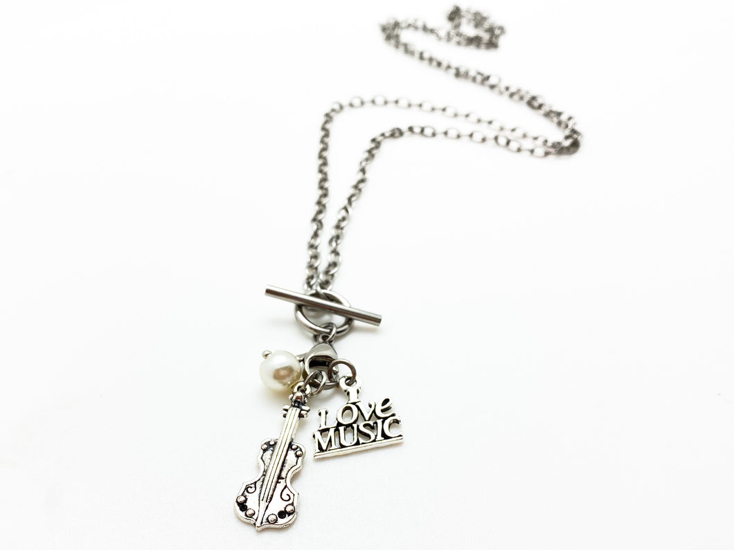I Love Music Violin Pearl Treble Necklace