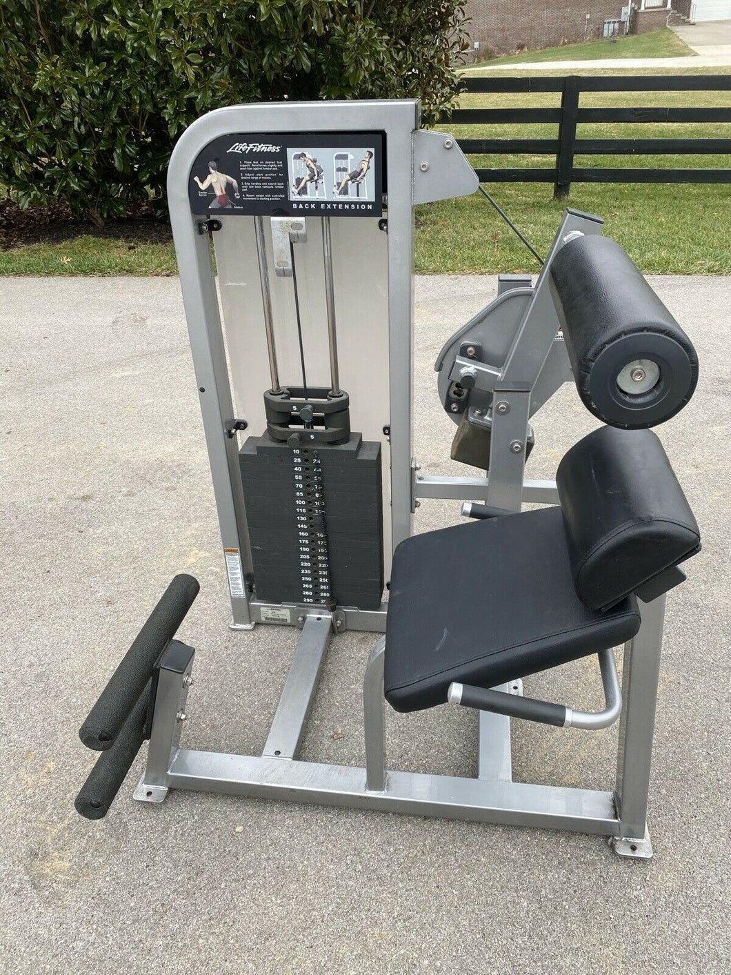 Life Fitness Pro 2 Back Extension Machine