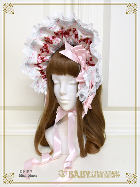 B43OH909 Strawberry Rose Bouquet Bonnet