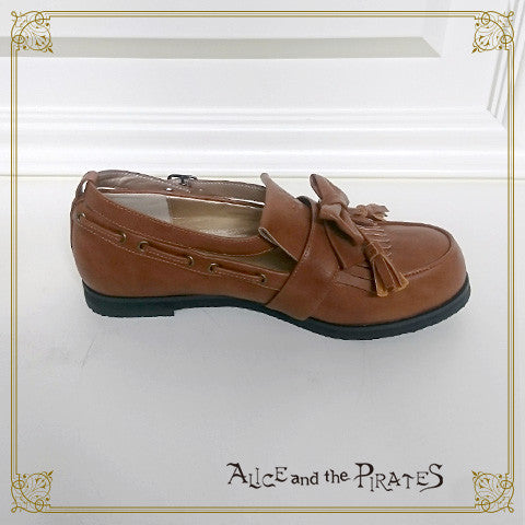 P13SH893 A/P Tassled Loafers