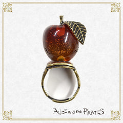 P14AC011 Witch Apple Ring