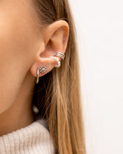 "Laden Sie das Bild in den Galerie-Viewer, Earcuff ""Pearl Obsession"" I Perlmutt"