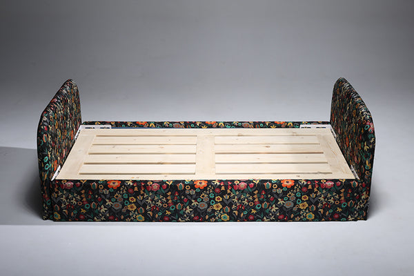 Little Button | William Baby Bed with Flower Fabric
