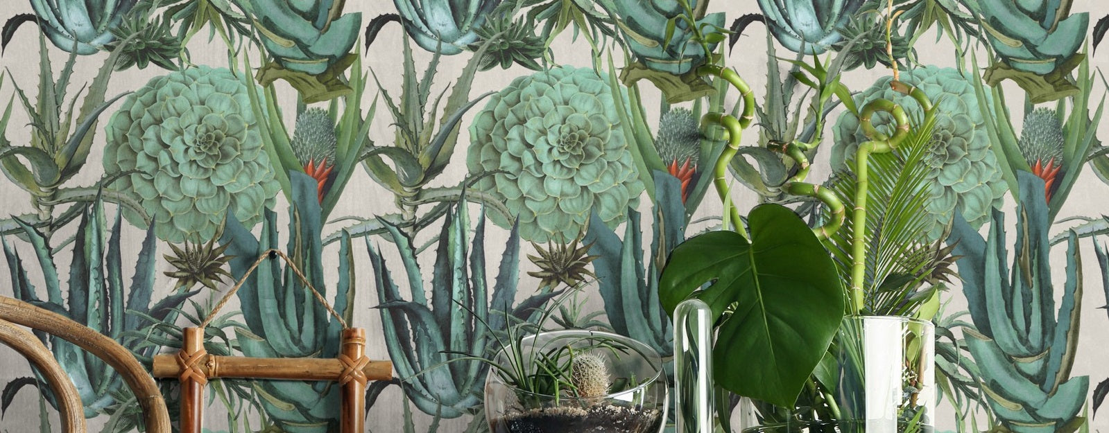 Urban Jungle – Transform Your Space Into A Tropical Paradise With These Wallpapers