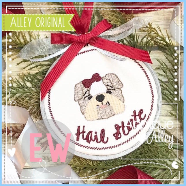 ORNAMENT BABY BULLDOG WITH BOW 4913AAEW