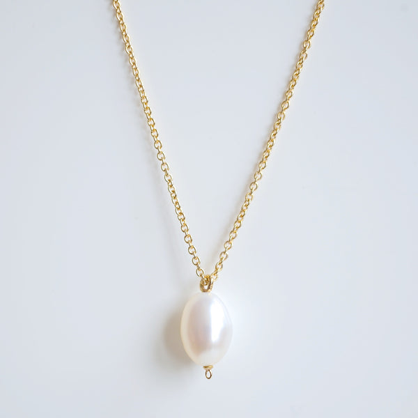 TIMELESS PEARL & GOLD NECKLACE