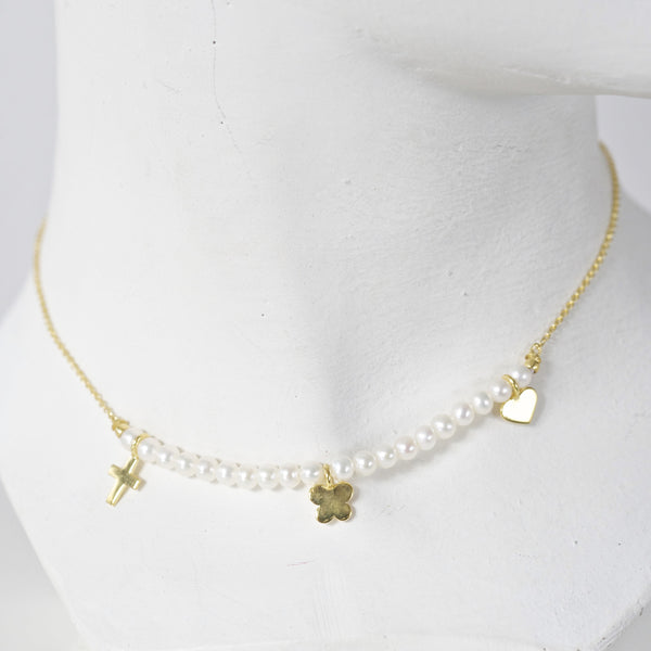 CHARM & PEARL NECKLACE