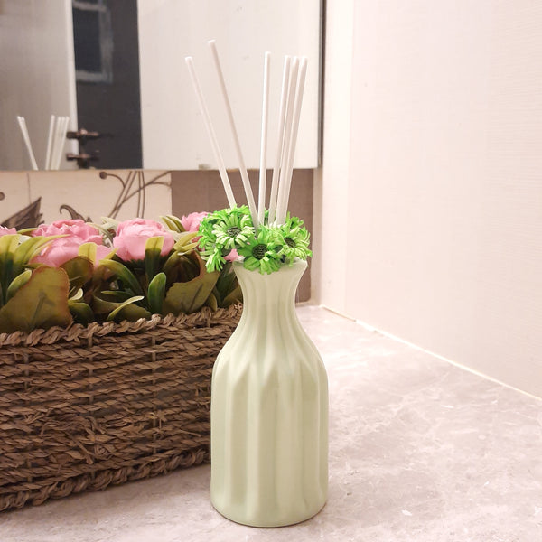 Vase Shape Reed Diffuser ( Lily )
