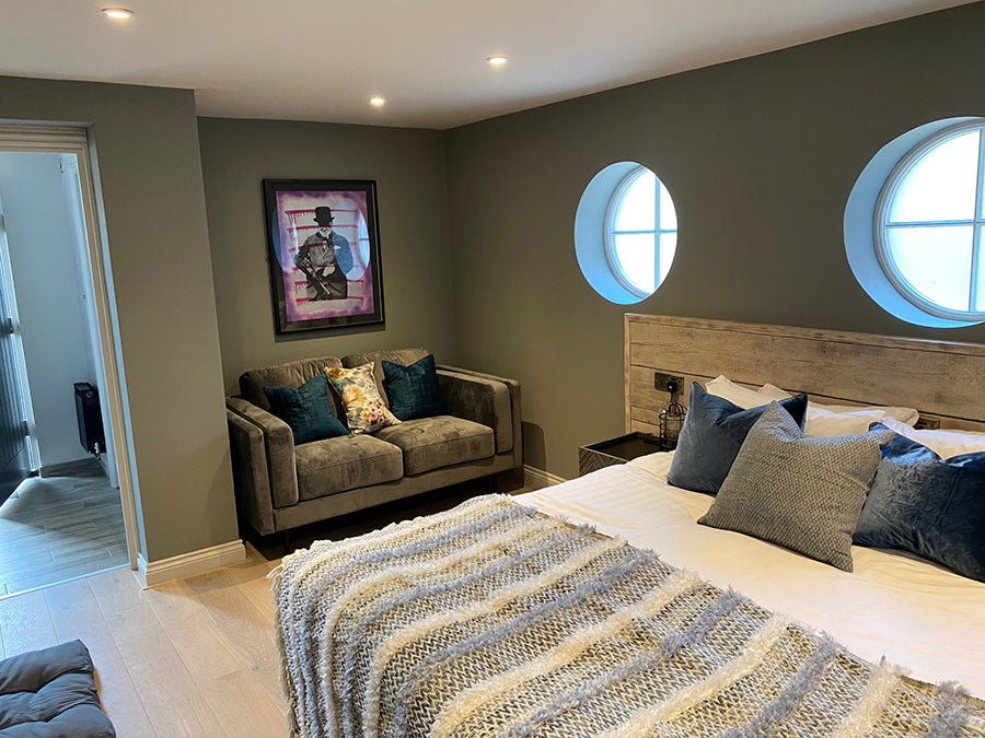 dog friendly bedroom at the lodge duxford