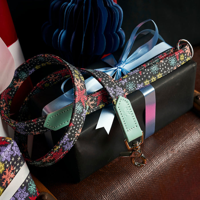Christmas Snowflakes Classic Dog Lead